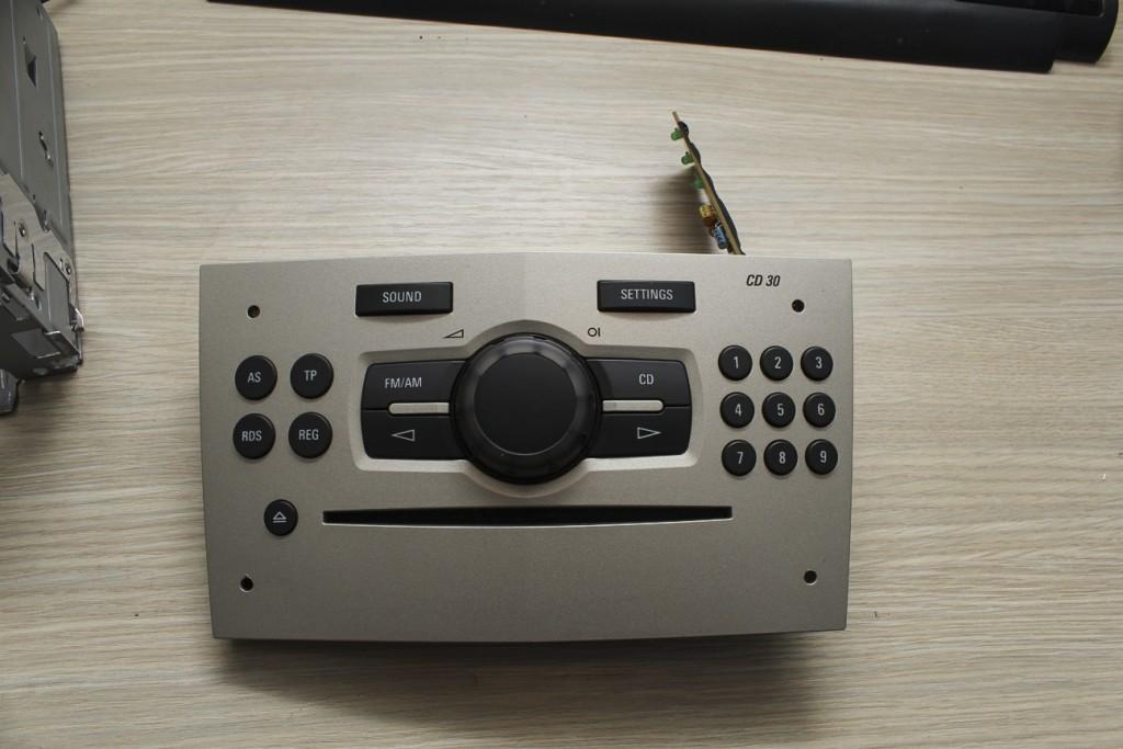 Corsa D Radio Buttons